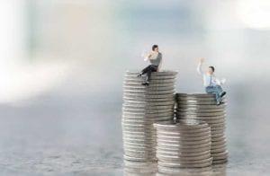 Chefes de pirâmides voltam como coaches de finanças