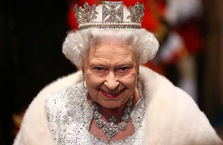 Rainha da Inglaterra mostra interesse em blockchain