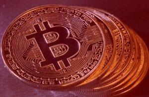 Bitcoin exibe nova correção enquanto NEM sobe 14%