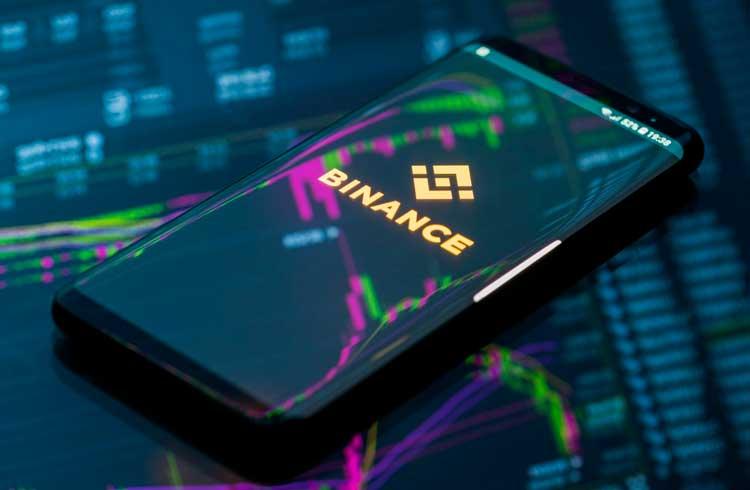 Binance vai dar iPhone 12 e criptomoedas para brasileiros