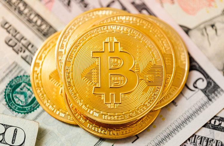 Bitcoin bateu R$ 200.000... e voltou. É hora de comprar… ou vender?