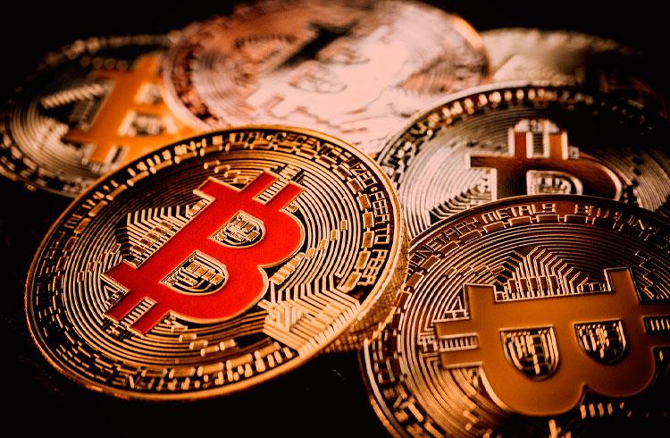Bitcoin segue corrigindo para R$ 164.000, mas Uniswap avança 12%
