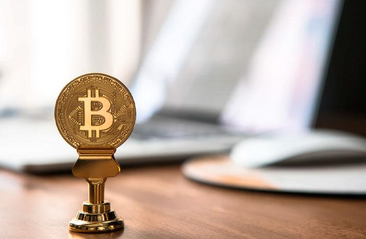 Especialistas explicam queda recente queda dura do Bitcoin