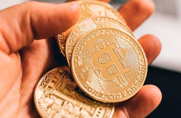 Estou milionário: homem recupera Bitcoins perdidos em HD queimado