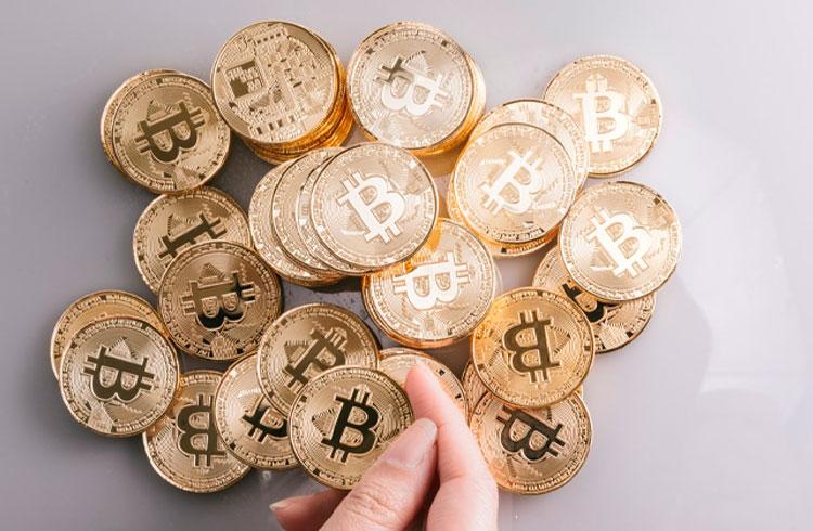 Homem cria fundo de Bitcoin para pagar faculdade da filha e valoriza 400%