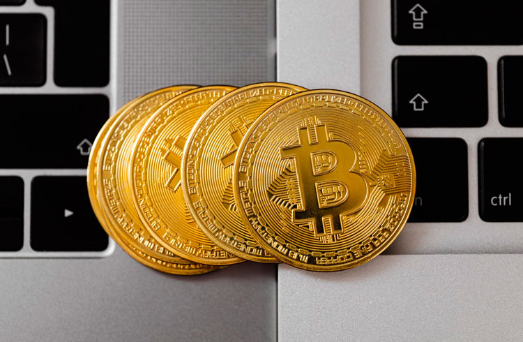 Instabilidade de exchanges é sinal de topo do Bitcoin, diz Fernando Ulrich