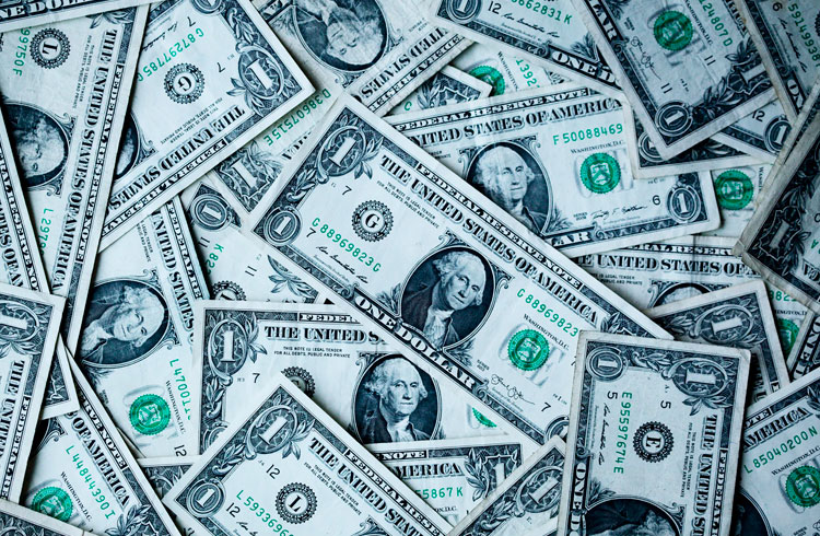 Queda do dólar faz apostas aumentarem contra a moeda