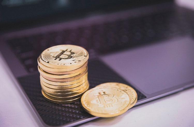Quer comprar Bitcoin e tem pouco dinheiro? Jornalista dá 3 dicas