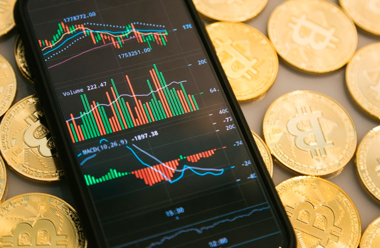 """Trader aponta 3 criptomoedas que são """"gigantes adormecidos"""" para 2021"""