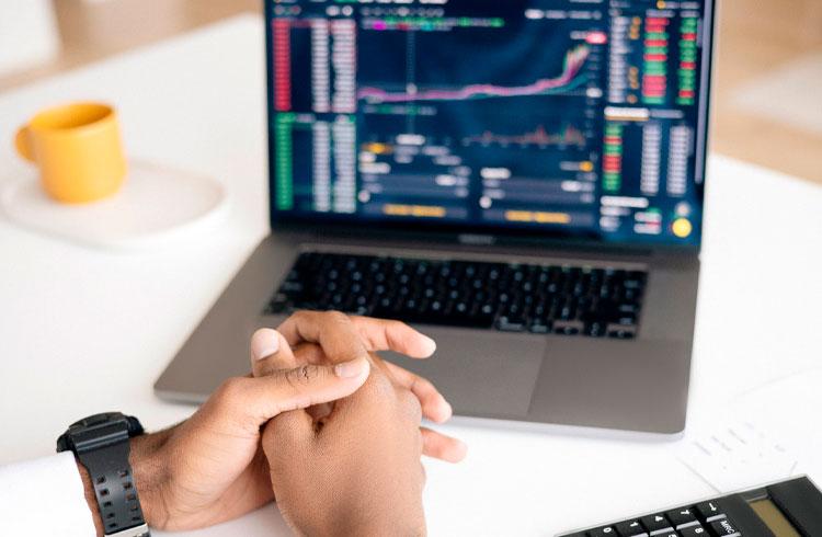 Traders de criptomoedas bons não ficam ensinando, diz investidor