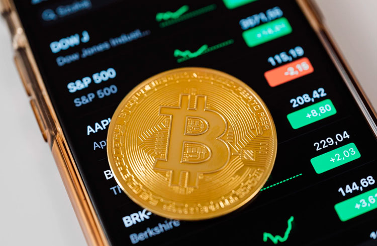 Valor de mercado do Bitcoin supera empresa de Warren Buffet