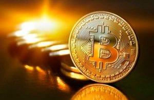 Aposta da Tesla no Bitcoin não deve ser seguida, diz JPMorgan