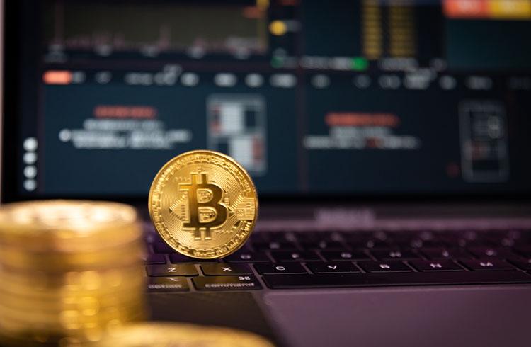 Bitcoin a R$ 270.000 e leves correções nesta quinta-feira