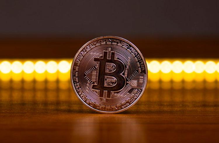 Empresas brasileiras podem comprar Bitcoin como a Tesla, afirmam especialistas