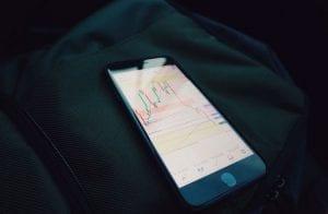 Lark Davis recomenda tokens DeFi que podem saltar 10.000%