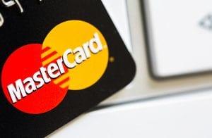 Mastercard lança cartão com suporte para moeda digital de banco