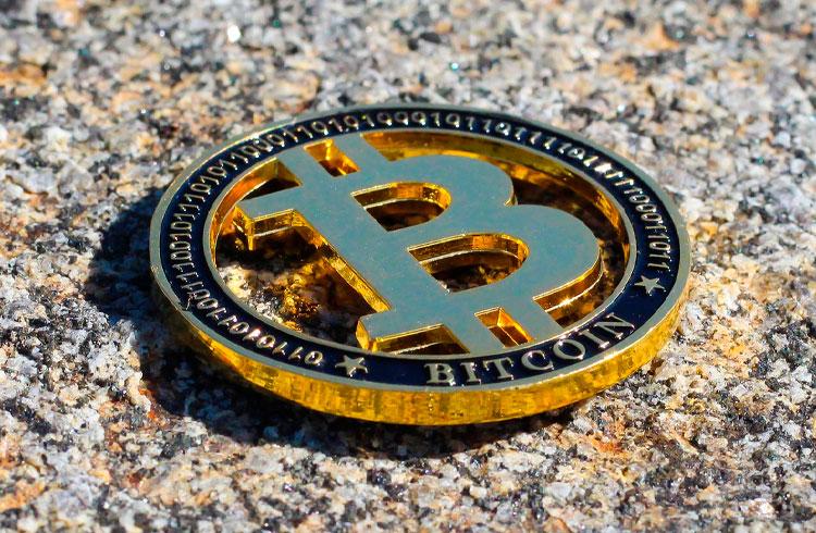 """Trader ensina tática para """"ganhar muito dinheiro"""" com Bitcoin"""