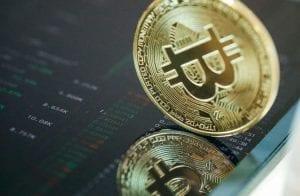Bitcoin busca novamente os US$ 60.000; Theta já acumula 32% de ganhos