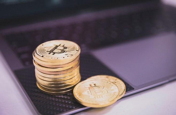 Bitcoin rompe os R$ 340.000 e Binance Coin dispara 8%