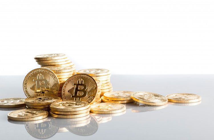 Bitcoin se mantém em R$ 318.000 enquanto Theta salta 12%