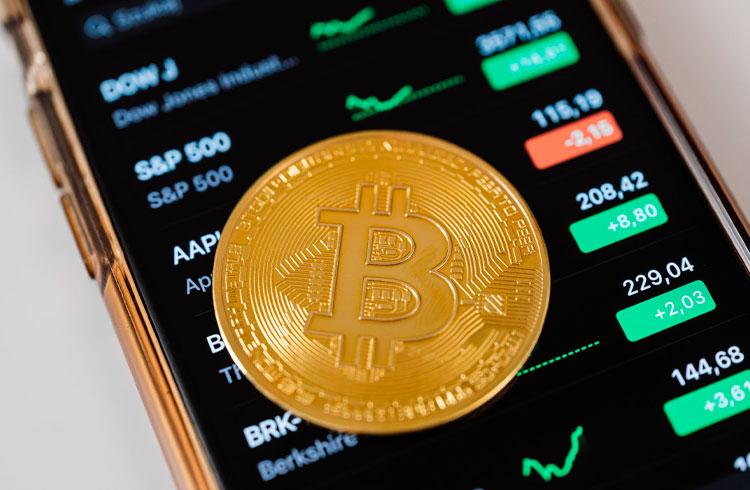 Bitcoin supera ganhos de todos os ativos de Wall Street, revela relatório