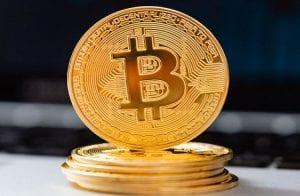 Fim da alta? Bitcoin fica abaixo de R$ 265.000 nesta sexta-feira