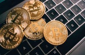 Impostos pagos em 3 meses por brasileiros comprariam 1.963.007 Bitcoins