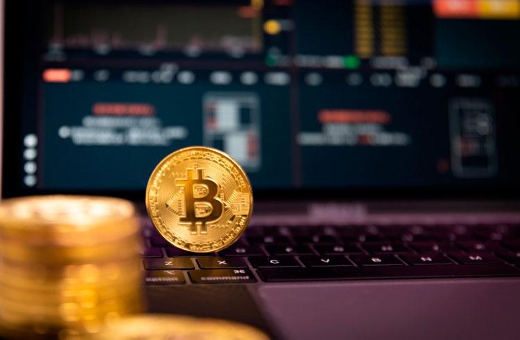 Mineração de Bitcoin já rendeu R$ 8,7 bilhões em março, aponta relatório