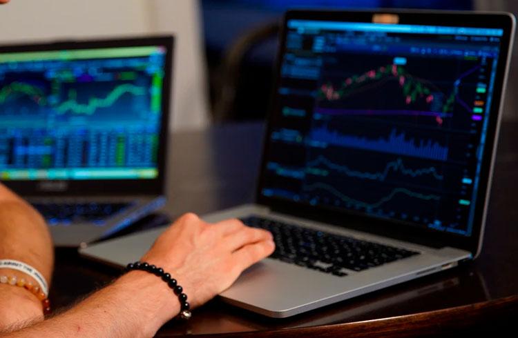 Pesquisa: investidores buscam forex e criptomoedas pela emoção