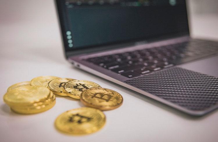 Primo Rico diz ser sócio de uma exchange em vídeo comprando Bitcoin
