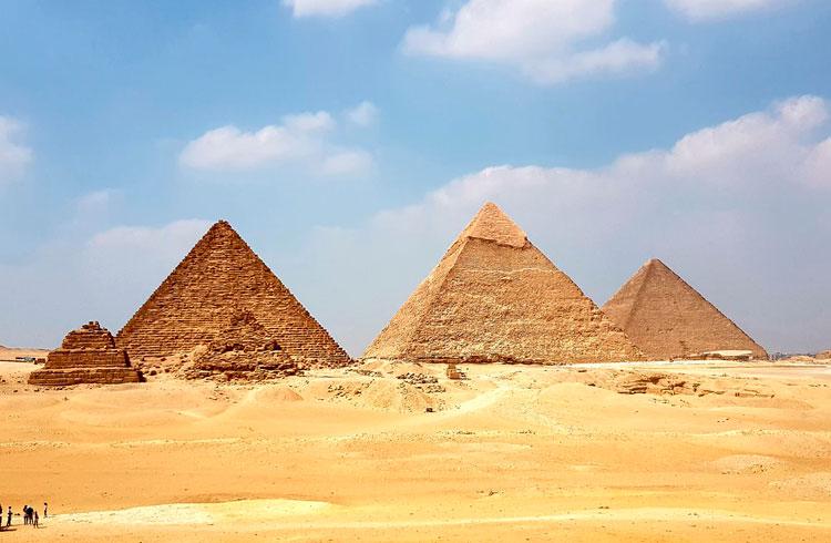 400 pastores da Universal investem em supostas pirâmides de Bitcoin