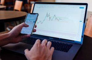 Abertura de capital da Coinbase terá efeitos no Brasil, diz especialista