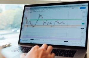 Binance Coin salta mais de 950% e supera Bitcoin