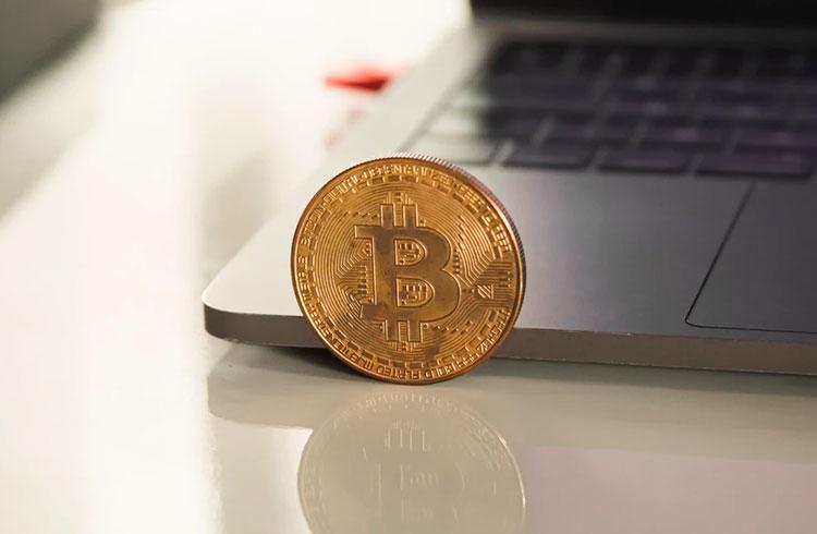 """CEO da MicroStrategy fala sobre Bitcoin para """"especialista"""" de 3 anos"""