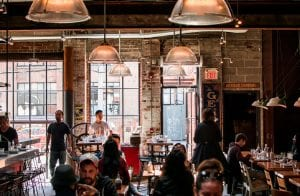 Em uma cafeteria há 10 anos, 2 nerds criavam a Coinbase