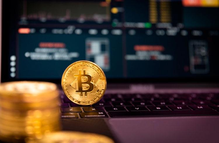 Investidor de Bitcoin é espancado e forçado a revelar chaves privadas
