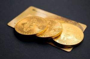 Startup lança cartão de débito com criptomoedas com 5% de cashback