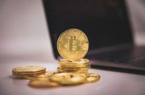 Tesla supostamente já lucrou US$ 1,5 bilhão com compra de Bitcoin