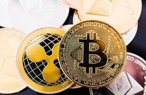 XRP dispara 22% e Bitcoin segue se recuperando nesta terça-feira