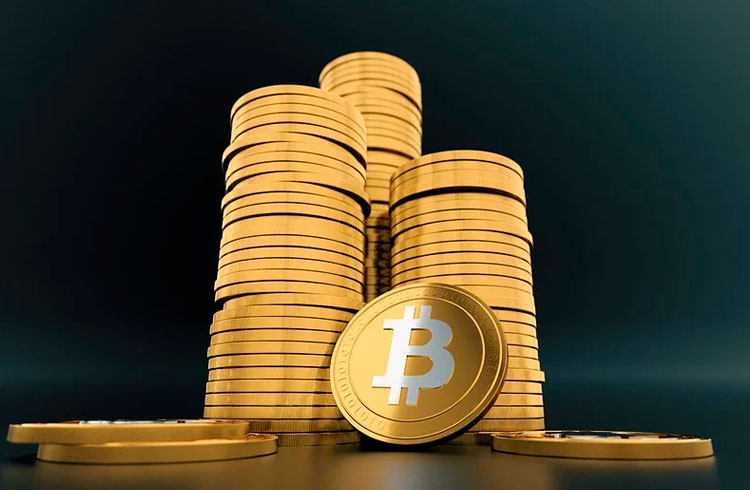 Dogecoin salta 27% após listagem na eToro e Bitcoin corrige