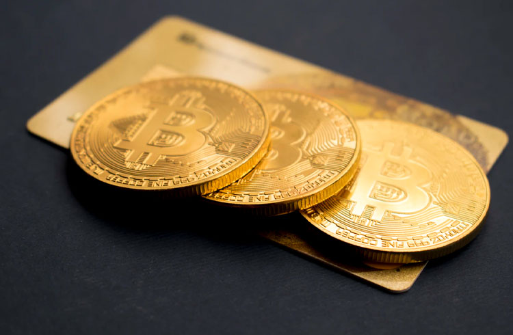 eBay pode aceitar Bitcoin como pagamento, diz CEO da empresa