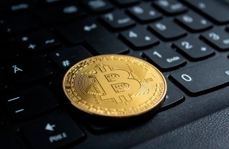 Pânico no mercado de Bitcoin atinge maior pico em 1 ano