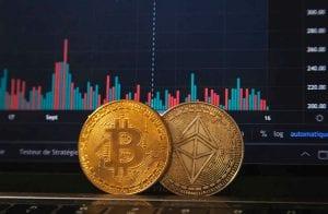 Político admite ter comprado Bitcoin e Ethereum