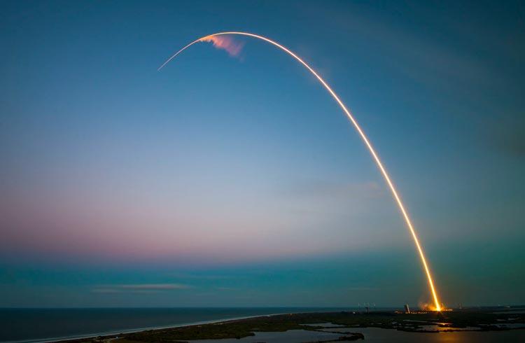 SpaceX aceita Dogecoin para financiar missão espacial