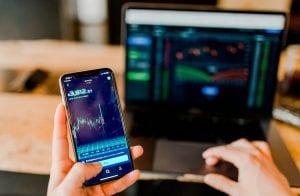 """Valorização das criptomoedas em 2021 será """"a mais louca"""", prevê trader"""